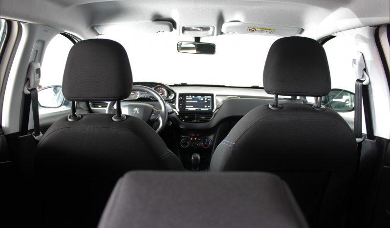 Peugeot 208 1.2i Style full