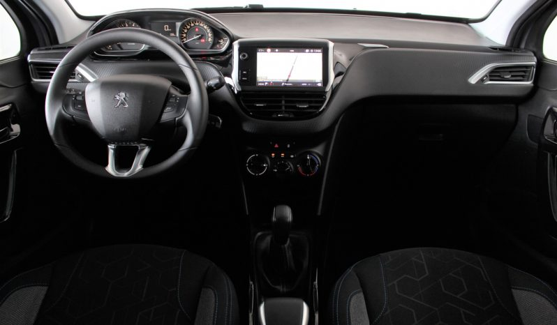 Peugeot 2008 1.2i Puretech full